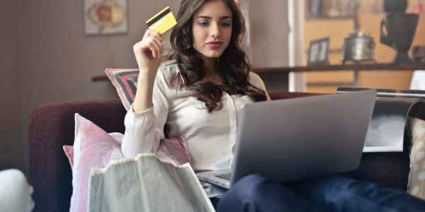 Pay easily with these electronics system