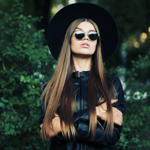 Dark dresses suits for green areas